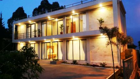 Villa Sky View 8 kamar Kolam renang pribadi